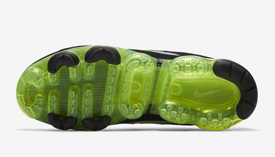 official photos a2ad2 5aa12 Nike Air VaporMax 97 Neon