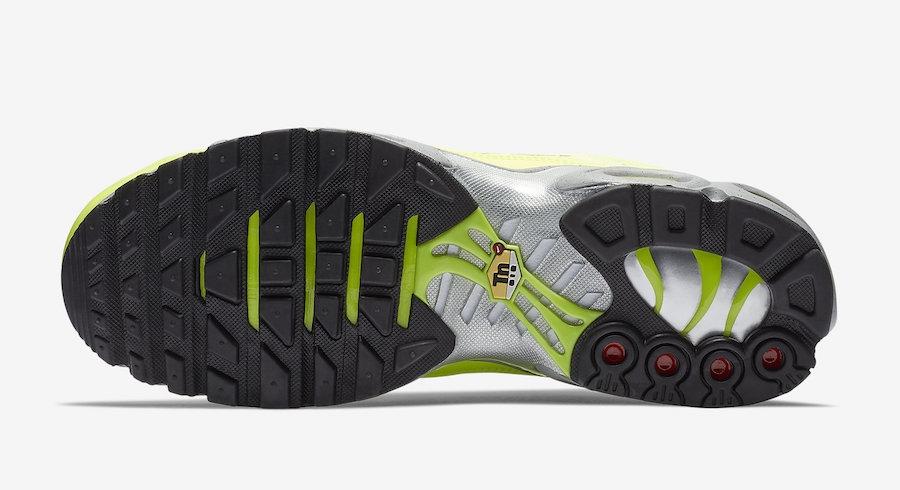 Nike Air Max Plus Premium Volt