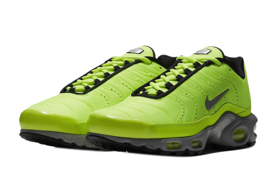 BUY Nike Air Max Plus Premium Volt